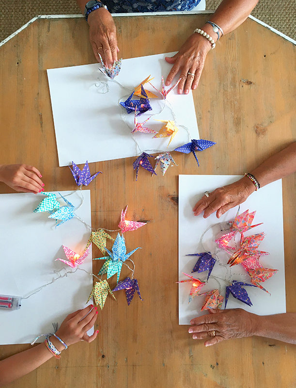 Guirlandes lumineuses de grues en origami !